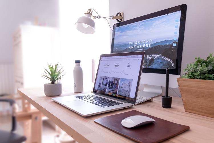 إن كنت تبحث عن شركة تصميم مواقع لتقوم بـ تصميم مواقع الانترنت وخاصة لـ تصميم موقع انترنت خاص بك ، فعليك معرفة عدة اشياء في البداية لتختار شركة انشاء موقع الكتروني وتطويره من اجلك.