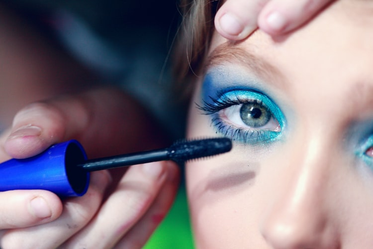 create a website for makeup artist and how does it affect your business, freelance makeup artist website, and celebrity makeup artist website giving you the portfolio makeup artist website builder and how the danger to create a free makeup artist website